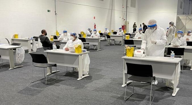 Espaço destinado à testagem na Expo Retomada, realizada em julho no Santos Convention Center