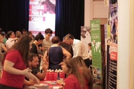 Evento reúne especialistas e candidatos a imigrantes