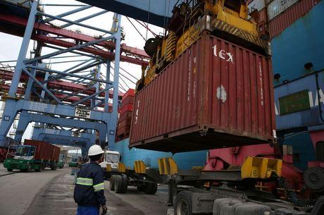 Exportações superam importações em R$ 269 bi em 2020