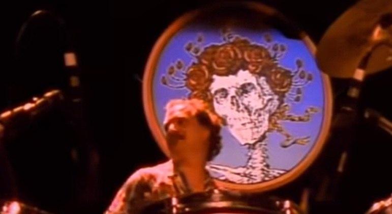 Extremamente ecléticos e com um estilo único, Greatful Dead marcou época com suas improvisações. Formaram-se  em 1965, na cidade de São Francisco.