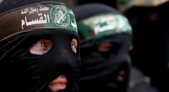 Militantes das Brigadas Ezedin al Qassam