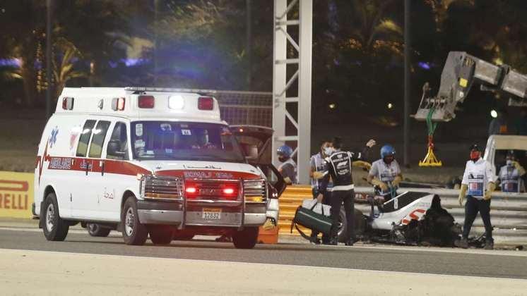 F1 anunciou interrupção de, no mínimo, 45 minutos após o acidente.