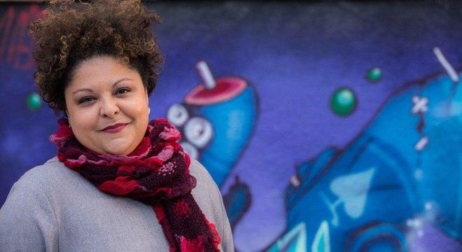 """Fabiana prepara CD que """"vai discutir a diáspora africana no mundo"""""""