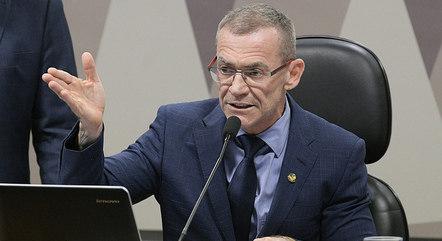 Na imagem, senador Fabiano Contarato (Rede-ES)