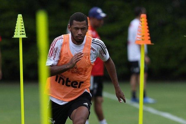 Fabinho, maior detentor de títulos na base na era Cotia, integrou o elenco profissional a partir de janeiro, mas não renovou o contrato e deixará o clube. Atacante de 20 anos fez apenas duas partidas como profissional, uma delas em 2020, contra o Botafogo-SP.