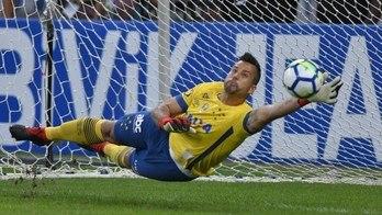 __Cruzeiro vence Santos nos pênaltis e é semifinalista da Copa do Brasil__ (Reprodução)
