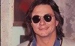 Em 1985, no entanto, ele decide voltar à teledramaturgiapara integrar o elenco da novela Roque Santeiro — produção é considerada um dos maiores marcos da história da televisão brasileira