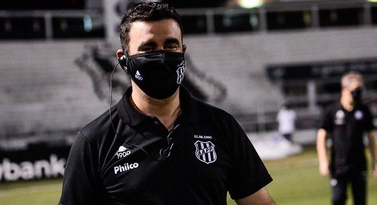 Fábio Moreno é o atual treinador da Ponte Preta