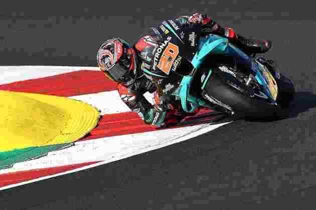 Fabio Quartararo sai três posições atrás do companheiro: quinto