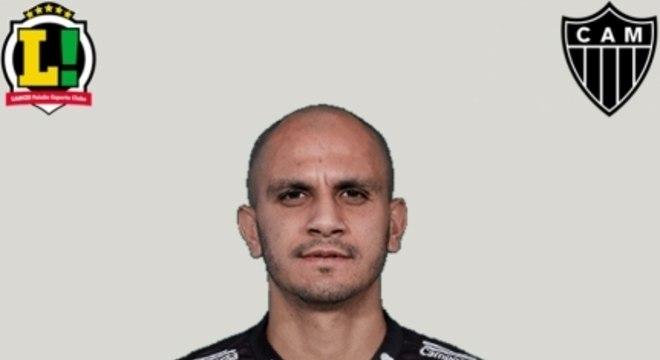 Fábio Santos - Sem nota - Foi substituído com dois minutos de jogo por conta de lesão.