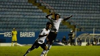 __Corinthians goleia e pega Grêmio nas quartas de final da Copinha__