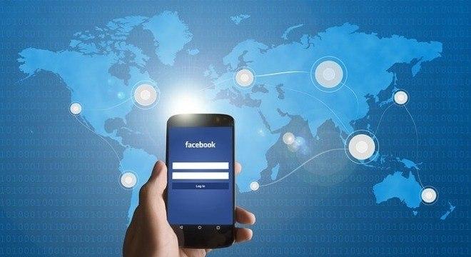 Fotos de milhões de usuários do Facebook ficaram expostas por uma falha da rede social