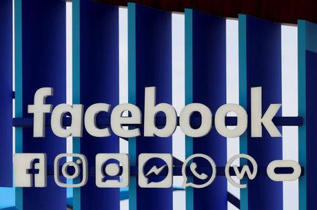 Rede social baniu bilhões de contas falsas