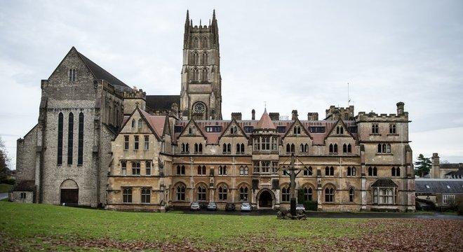 Mosteiro e escola Downside pediram desculpas por terem falhado com seus alunos