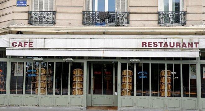 Os restaurantes estão na lista de empresas que sofrer mais com a crise