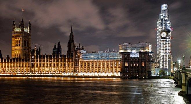 Parlamentares terão uma pequena janela de oportunidade para aprovar leis que impeçam um Brexit sem acordo