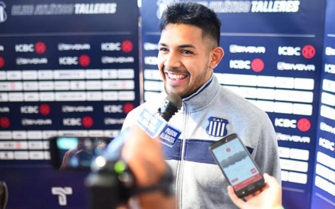 Facundo Medina, de 21 anos, é lateral-esquerdo no francês Lens. Ele iniciou sua carreira no River Plate, onde atuou na base, e depois passou para o Talleres, também da Argentina. Seu valor de mercado é de 4,5 milhões de euros (R$ 29,4 milhões), com vínculo até 2024.