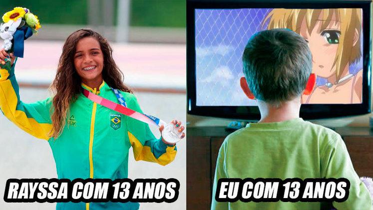 Fadinha conquistou a medalha de prata na categoria street do skate e conquistou os torcedores brasileiros. Nas redes sociais, não faltaram brincadeiras com a idade da jovem atleta. O que você fazia aos 13 anos? Confira na galeria alguns comentários! (Por Humor Esportivo)