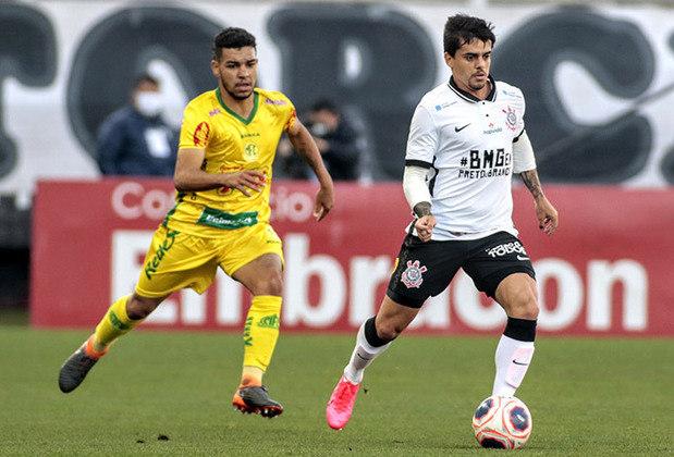 FÁGNER - O lateral-direito do Corinthians também marcou presença na seleção do Campeonato Paulista. O experiente defensor foi bem avaliado na campanha do Timão.