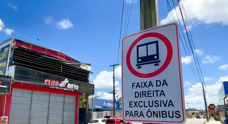 Faixa exclusiva ônibus JP