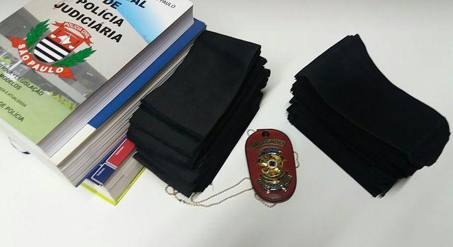 Sindicato e associação dos Delegados confeccionaram 10 mil faixas pretas