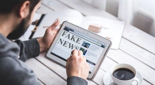 Compartilhamento de notícias falsas pode gerar punições aos usuários