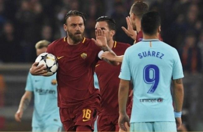 Falando em Barça, outra virada histórica fresca na cabeça aconteceu na temporada de 2018. O clube catalão venceu a Roma facilmente por 4 a 1 (com dois gols contra) na ida das quartas de final, mas, no retorno, os italianos aplicaram 3 a 0 e eliminaram Messi e companhia.