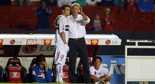 Leão só o colocou uma vez como titular do São Paulo