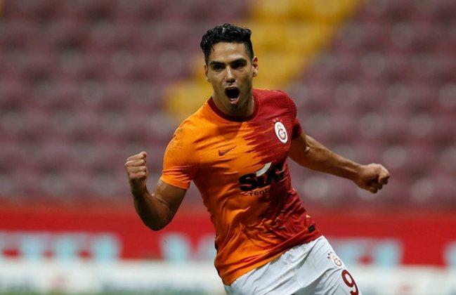 Falcao Garcia - 35 anos - Atacante - Clube: Galatasaray - País: Colômbia - Contrato até: 30/06/2022