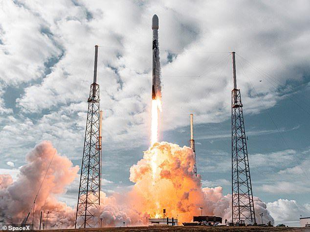 Veículo espacial decolou no último domingo (24)