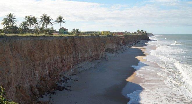 urandir   TECNOLOGIA   Como a erosão afeta 60% do litoral brasileiro e deforma centenas de quilômetros de praia