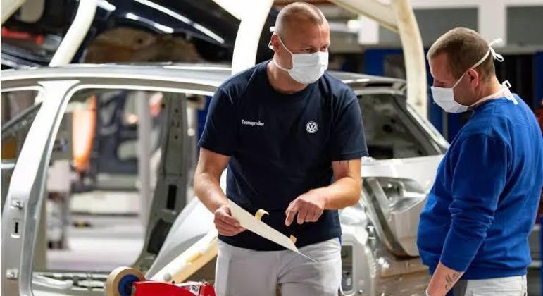 Falta destes componentes já prejudica a produção de automóveis da Volkswagen