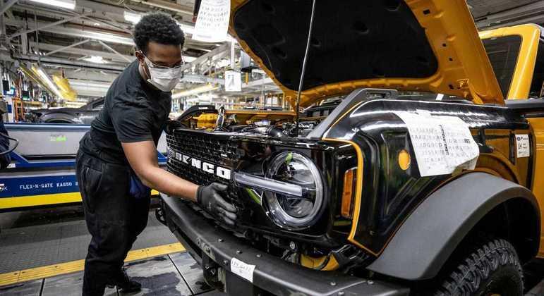 Ford paralisou linha de produção nos Estados Unidos e México