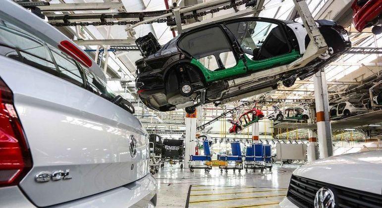 Volkswagen paralisou fábrica que produz o Gol e Voyage