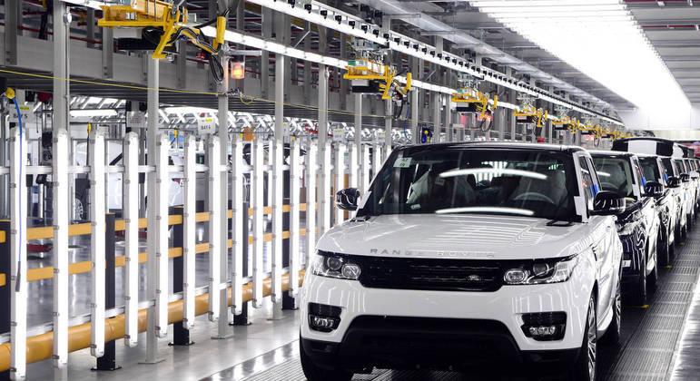 Land Rover paralisou fábrica na Europa