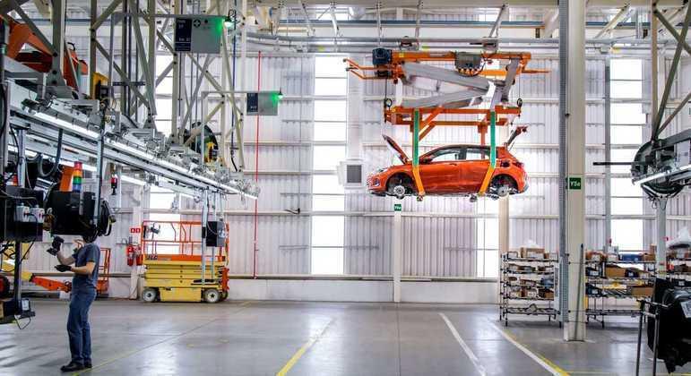 Chevrolet paralisou fábrica que produz o Onix