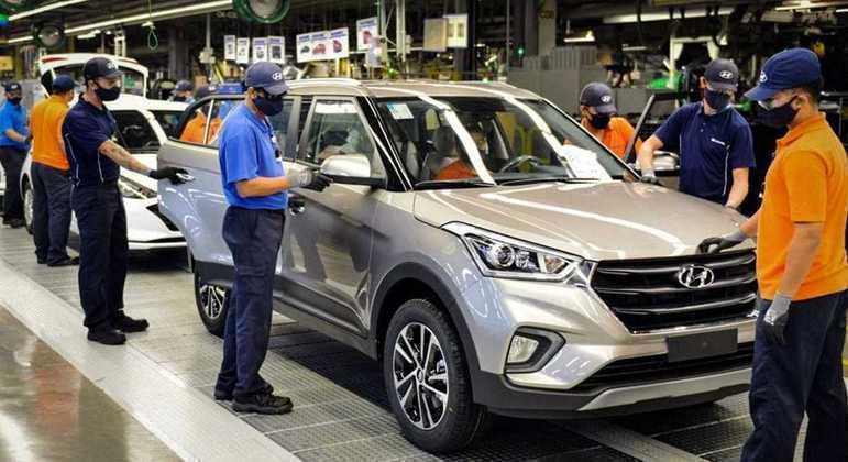 Hyundai trabalha em turno único