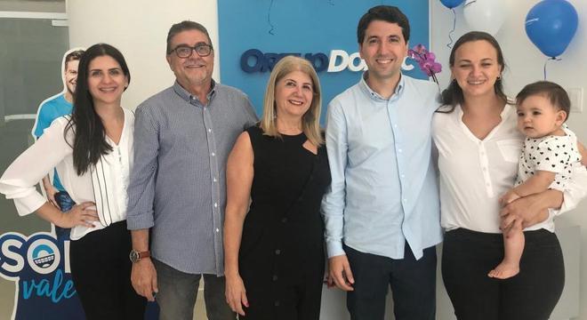 Da esq. p/ dir: Renata, Osmar, Alaide, Rafael, Luciane e Joana