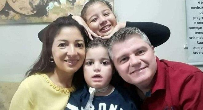 Gianlucca esperou um ano pelo medicamento que pode controlar a AME