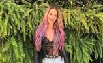 Além de Preta e Marcela, outras famosas já apostaram no visual pink, como Yasmin Brunet