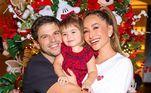 Sabrina Sato posou ao lado de Duda Nagle e da filha, Zoe. A apresentadora desejou Feliz Natal para os seguidores: