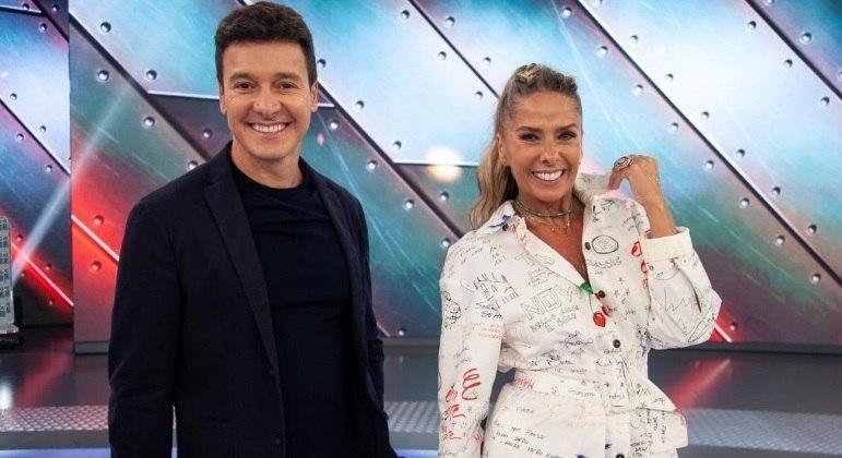 Rodrigo Faro recebe Adriane Galisteu no programa deste domingo (28)