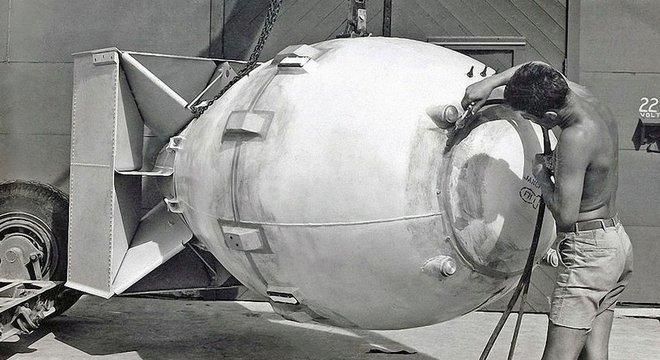 A bomba Fat Man liberou energia equivalente a 21 mil toneladas de TNT.