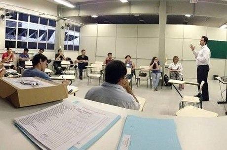 Fatec: alunos durante curso de empreendedores