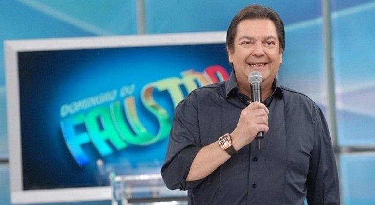 Em férias na Globo, Fausto Silva passa por exames de rotina
