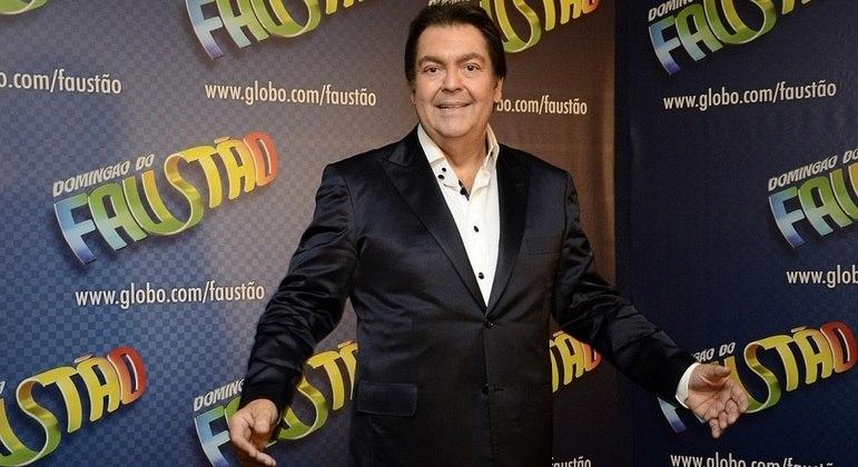 """Em seu último ano de contrato, Fausto Silva vai apresentar a """"Super Dança"""" no """"Domingão"""""""