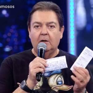Fausto Silva segue até dezembro na Globo