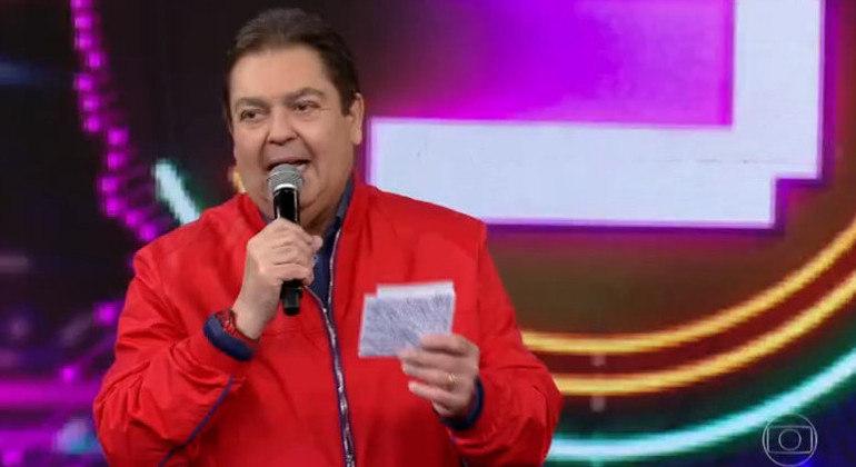Fausto Silva ainda não tem nada conversado com emissora nenhuma