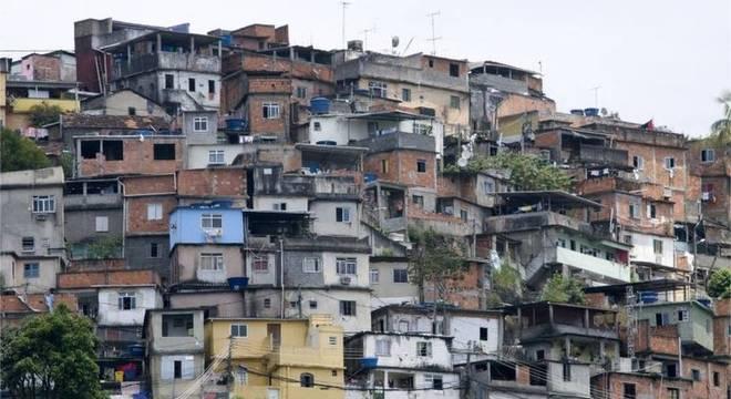 Mais de 40% das crianças brasileiras de zero a seis anos habitavam em 2017 casas com ao menos uma inadequação de saneamento, seja ausência de esgoto, abastecimento de água ou coleta de lixo