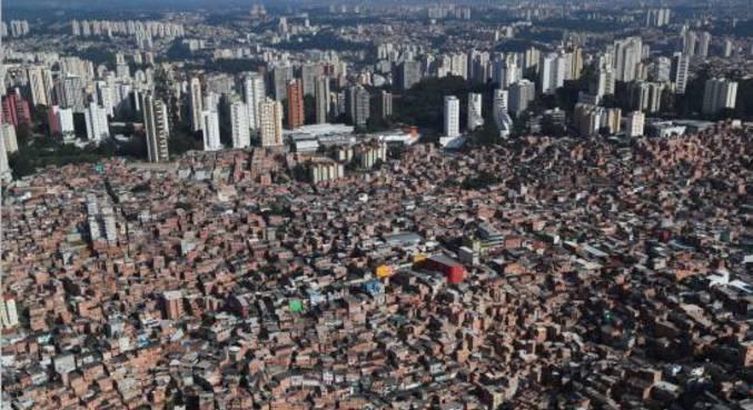 Vista aérea da favela de Paraisópolis, na zona sul de São Paulo